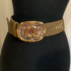 Accessories - Women's western style ornate belt and buckle. 33